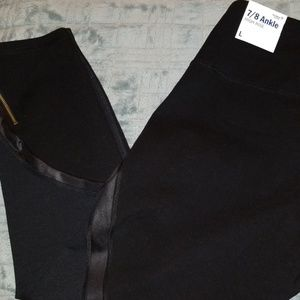 Old Navy Active Workout Ankle Pants